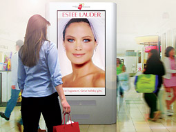 Teenagers actually notice digital signs in malls